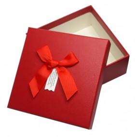 Cutie pentru cadou imitatie piele rosu 13x13x5cm