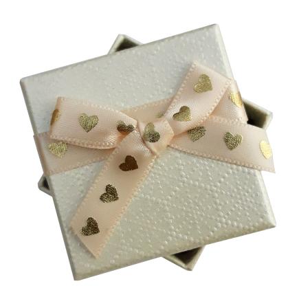 Cutie cadou inel cercei ivoire inimi aurii 5x5x3.5cm