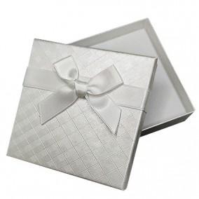 Cutie cadou set bijuterii alba funda alba 9x9x2.5cm