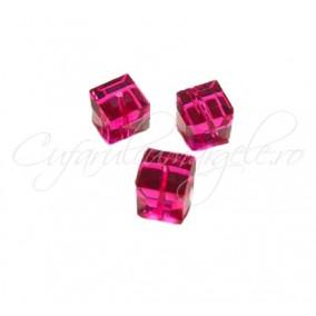 Cristale cub fucsia 4 mm