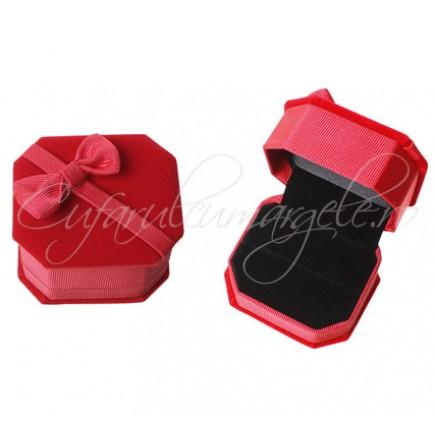 Cutie inel catifea rosie 65x55x45mm interior negru