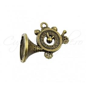 Charm bronz goarna cu ceas 25x20 mm