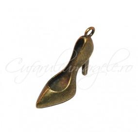 Charm bronz pantof cu toc 28x18 mm