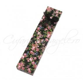 Cutie bratara flori funda organza negru 21x4x2cm