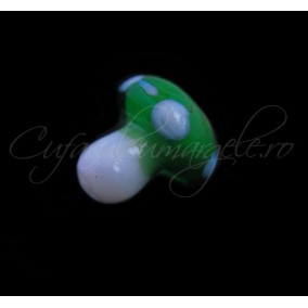 Margele lampwork ciuperca verde 12mm