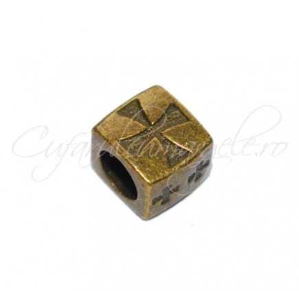 Margele metalice decorative bronz cubice crucea malteza 10x8x8 mm