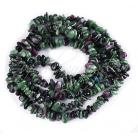 Ruby zoisite chips 5-8mm sirag 90cm